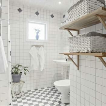 9 rum lägenhet i Rosersberg